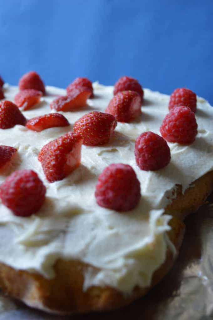 Summer Sponge Cake - Raspberry and Strawberry Cake