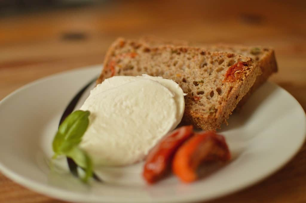 Basil and sun-dried tomato bread