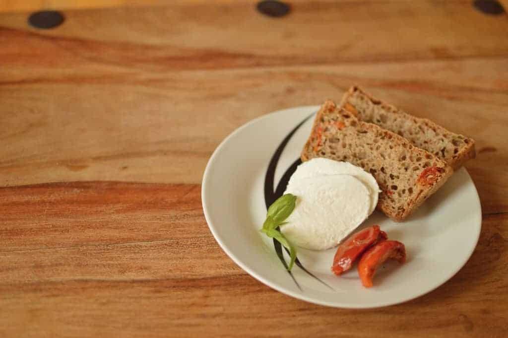 Basil and sun-dried tomato bread