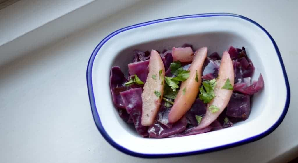 Christmas red cabbage with cinnamon and pear